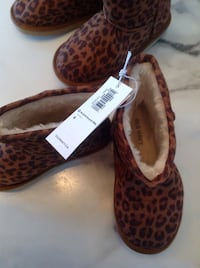 NWT toddler size 8 leopard print boots from old navy London, N5W