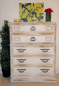 Antique dresser delivery included Ottawa, K1Y 2T1