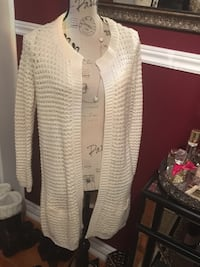 Vero moda ladies sweater size small Oakville, L6H 1Y4