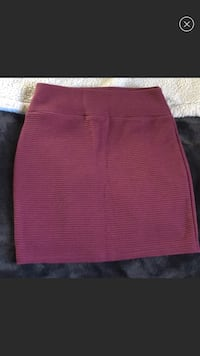 women's red skirt Royal Oaks, 95076