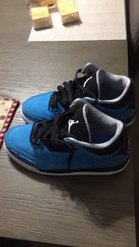 pair of blue-and-black Air Jordan 3 Rockville, 20850