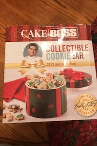 """""""Janet"""" NEW Cake Boss collectible cookie jar 2013 Limited edition"""