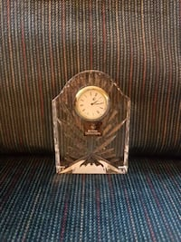 clear cut glass analog mantle clock King City, L0G