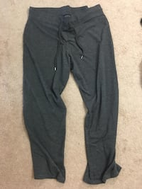 Jones New York sweatpants Calgary, T3K 5Z3