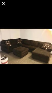 Black and gray sectional sofa! New Carrollton, 20784