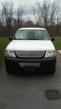 Ford - Explorer - 2005 low miles Pittsburgh