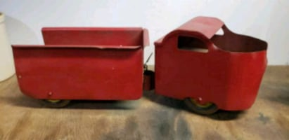 1930s Garland Red Flyer Ride On Toy