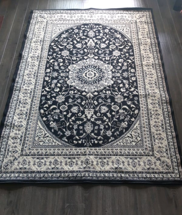 Carpet I sell 3 equal rugs for one $ 75 in good co c2a05252-7ae7-47c1-bcdb-1853a7321779