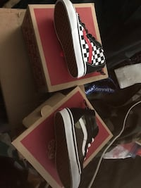 Vans Toddler Sneakers Sz 5 $40 each Washington, 20019