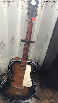 Acoustic guitar 1960 key