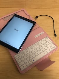 Ipad Air II w/ pink keyboard case and power cable