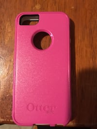 Like new otter box for iPhone 5s ! No marks or signs  of wear. Otter box for 5s Hubbard, 44425