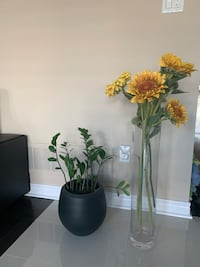 Fake Sunflowers + Vase (both for $15)  Whitchurch-Stouffville, L4A 0R8