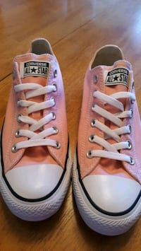 NEW Pink Converse (9) Victorville