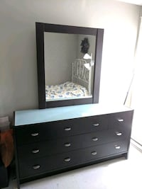 7 drawer dresser and mirror set - dark brown Montréal, H3J 2Z9