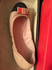 Coach flat shoe with bow size 5 Vancouver, V5R 5E3