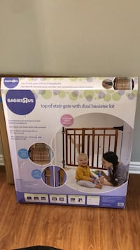 Baby gate for top of stairs  Toronto, M9P 1P2