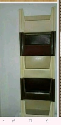 brown wooden 3-layer shelf Longueuil