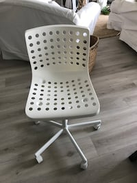 white and black rolling chair Mirabel, J7J 1A5