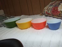 Vintage Pyrex Primary Color Mixing Bowls,2071 Mississauga