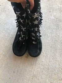 Girls boots size 4 youth-mint condition  Brampton, L6P