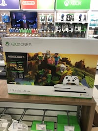 Xbox one s brand new 1TB minecraft edition Ottawa, K1N