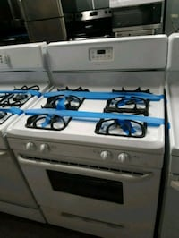 Frigidaire gas stove working perfectly  Baltimore, 21223