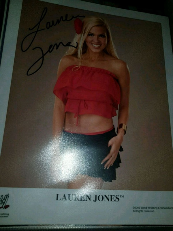 Glossy bilde av Lauren Jones WWE wrestling diva