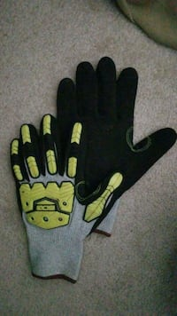 black and yellow gloves and gloves Calgary, T2Y