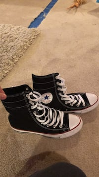Converse high top great condition size 9 women, men 7