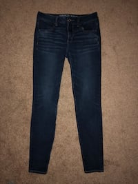 American eagle jeans size 6 (long) Ellerslie, 31807