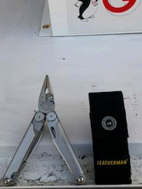 Leatherman Wave with carry case
