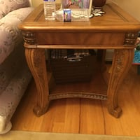 Brown wooden end table New York, 10312