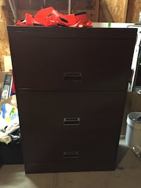 Brown file cabinet no key Genoa City, 53128