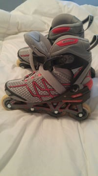 pair of gray-and-red inline skates Langley Township, V2Y
