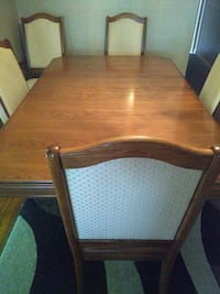 Dinning table with 6 chairs.  Brampton, L6V 1V8