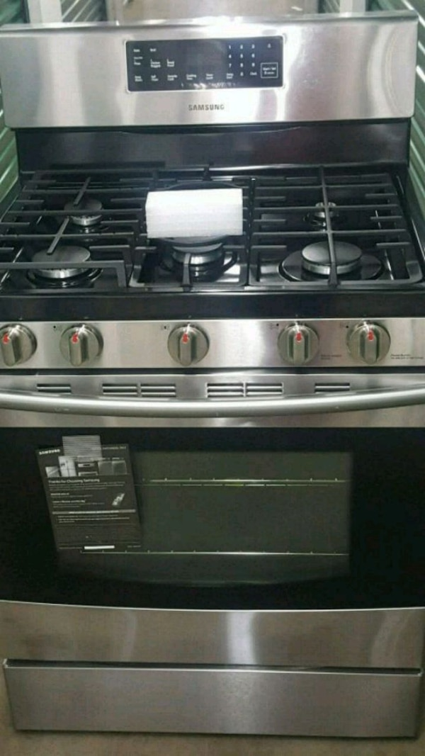 stainless steel gas range oven 93306eb3-3aed-40f1-8d14-4173fda925c1