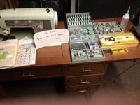 Brown wooden desk with drawers Cranston, 02910