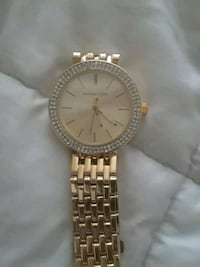 round gold Michael Kors analog watch with gold lin Las Vegas, 89119