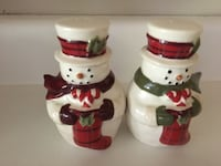 "Salt & Pepper shakers, Christmas Snowman - magnetic stick together, 4 1/4"" high - $10 Mississauga, L5L 5P5"