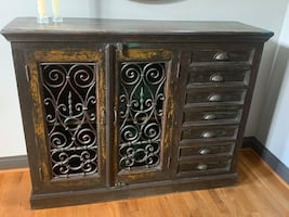 Distressed hutch - like new