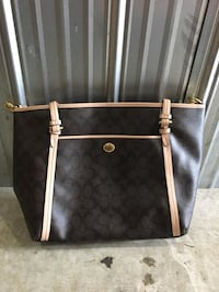 Authentic Coach bag Coquitlam, V3J 2X8