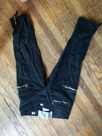 Ladies capris like new size 27 Guelph, N1E 4E7