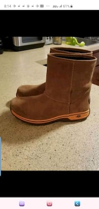 UGG waterproof boots for kids size 4