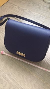 Kate spade crossbody saffiano leather bag New Westminster, V3M 1Y9