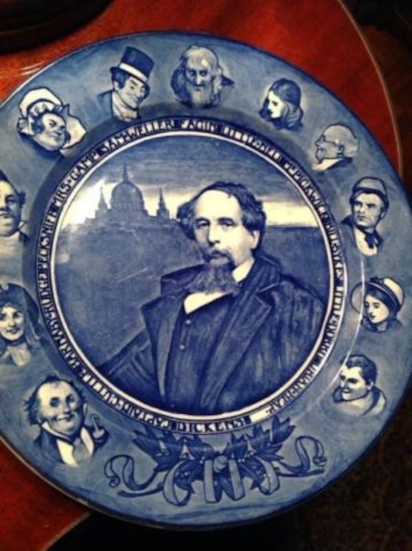 b662af7063c6 ROYAL DOULTON SERIES PLATE ROYAL DOULTON SERIES PLATE FLOW BLUE PLATE NAME    CHARLES DICKENS SERIAL