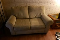 Loveseat, couch Des Moines, 50320