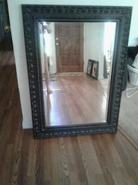 Beautiful Mirror with gold flakes. Clovis, 93611