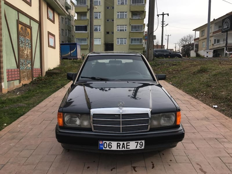 1992 Mercedes-Benz 1cb68be4-1898-44fa-8fef-80cfd115531b
