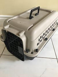 Dog or Pet Kennel Crate cage carrier Brand New